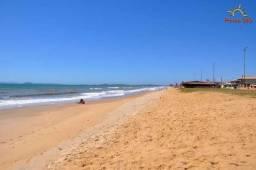 C/ fino acabamento,ampla e com estrutura, condomínio na praia