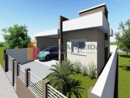 Lu@-Bela Casa 03 dormitórios sendo 1 suíte , ampla sala e cozinha,
