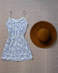Vestido Curto de Tecido Com Estampa Floral