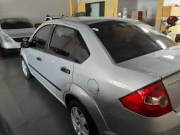 Fiesta 1.0 Sedan 2006/2006 - 2006
