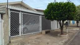 Casa em Cosmópolis-SP, aceita terreno, van, caminhão e casa de menor valor. (CA0018)