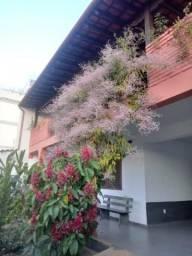 Belíssima casa de 6 quartos no Ana Lúcia, próximo ao Supermercado Apoio Mineiro e Av. José