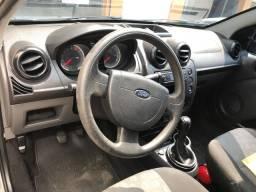 Belo Ford Fiesta