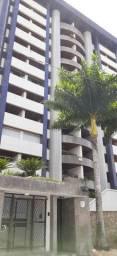 Apto 04 Quartos, 03 suites, 03 vagas de garagem Resid. Roberto Burle Max