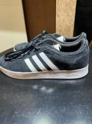 Tênis Adidas preto- tam 38