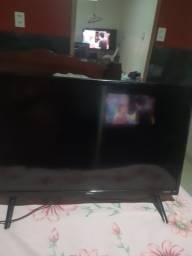 Título do anúncio: Tv smart 28 polegadas  perfeito estado  semi nova