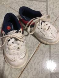 Título do anúncio: Sapatos de menino , 25,26, 28