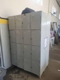 Título do anúncio: Vendo armário  metálico 16 portas em ótimo  estado
