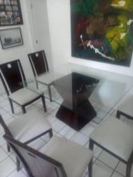 Mesa de vidro com 6 lugares
