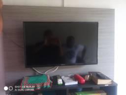 Tv com defeita 250$ aceito negociação