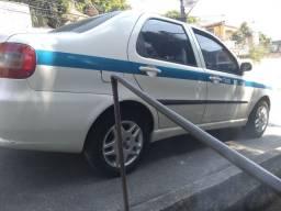 Siena taxi oi troco por imóvel em Maricá