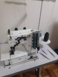 Título do anúncio: Vendo máquina de costura tipo galoneira