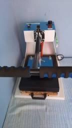 Título do anúncio: Vendo ou troco máquina de sublimação em tecido ou azulejo