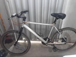 Bicicleta de alumínio aro 26 aceito cartão