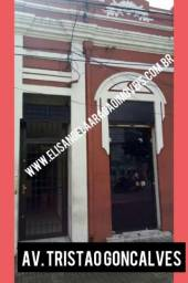 Ponto comercial na Avenida Tristão Gonçalves com 04 salas e 01 loja