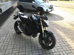 Honda CB1000R 2012/2012 com 10180 km - 2012