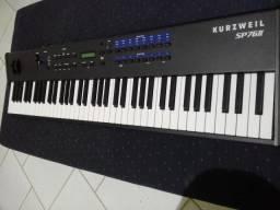 Vendo Piano eletronico Kurzweil sp76II em perfeito estado