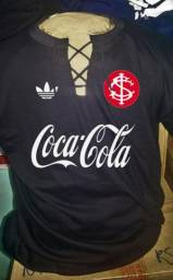 Camiseta retro do Internacional com cordinhas
