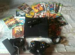 Xbox 360 HD500GB 100 jogos 2 controles