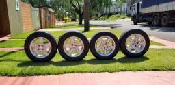 Rodas com pneus do fox