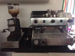 Maquina de café e moedor profissional