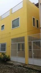 Casa de vila, 3q, garagem, terraço. Na rua do gás