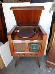 Vitrola radiola dec50 valvulada 100% restaurada toda funcionando - vídeo
