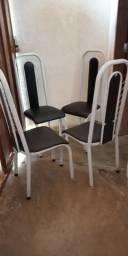 Jogo de cadeiras em aço