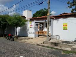 CASA RESIDENCIAL / COMERCIAL NO HORTO