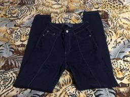 Calça azul escura