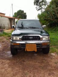 HILUX 2002 top