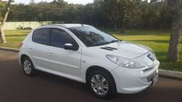 Peugeot 207 XR 1.4 - Completo (2013) Abaixo da Fipe