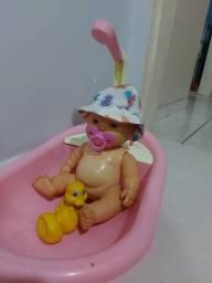 Título do anúncio: Bonequinha na banheira