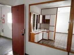 Título do anúncio: Apartamento com 3 dormitórios à venda, 60 m² por R$ 158.000,00 - Nossa Senhora Aparecida -