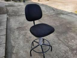 Cadeira Giratória Alta