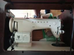 Título do anúncio: Maquina de Costura Singer 660 com Movel Madeira Maciça