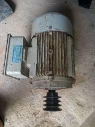 Motor monofásico 10 CV baixa rotação