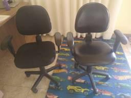 Título do anúncio: Cadeira de escritório 250 reais as duas.