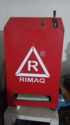 Título do anúncio: Vendo máquina semi-nova de cortar chinelo marca Rimaq