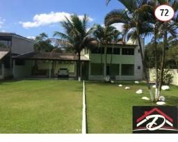 Casa com área gourmet completa e a 700 m² de cachoeira