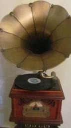 Toca discos vintage importado modelo gramofone,parcelo em 12x