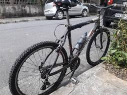 45717de42 Bicicleta aro 26 com 21 marchas e quadro de aluminio
