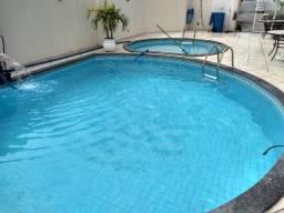 Vendo casa 4 quartos c. suite e dependencia completa na Rua Pedro Suzart em condomínio