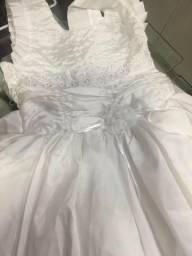 Vende-se vestidos infantis $45