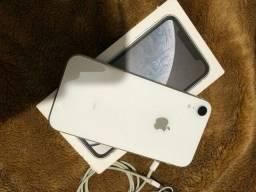 IPhone XR semi novo branco 128gb