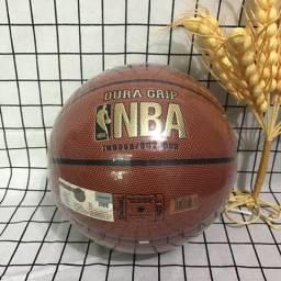 Bola de Basquete Oficial Spalding NBA Dura Grip