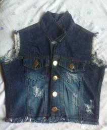 Colete Jeans, Macaquinho e Cropet