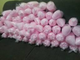 Fabrucamos algodão doce coloridos no saco e no copo de 400ml