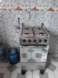 Vendo fogão 3 meses de uso semi novo com nota fiscal