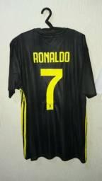 d8c4653f40 Camisa Juventus Cristiano Ronaldo Terceiro Modelo Adidas Parley 18 19 ...